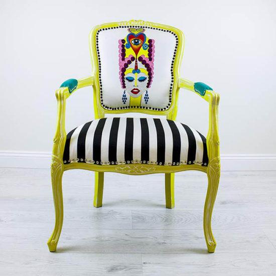 veronica-kollane-tugitool-triibuline-kangas-kangamaaling-kolmas-silm-handmade-armchair-with-painting-kolmas-silm-third-eye-strips-turquoise-shop