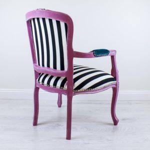 veronica-roosa-tugitool-triibuline-kangas-kangamaaling-kolmas-silm-handmade-armchair-with-painting-kolmas-silm-third-eye-strips-turquoise-pink-blue