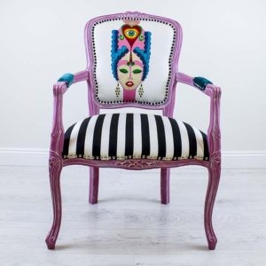veronica-roosa-tugitool-triibuline-kangas-kangamaaling-kolmas-silm-handmade-armchair-with-painting-kolmas-silm-third-eye-strips-turquoise-pink-blue-dreams-comes-true