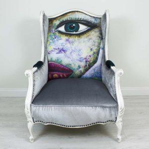 hobe-tugitool-mugav-suur-maaling-nagu-silm-huuled-varviline-vananutatud-puid-kriidivarvid-annie-sloan-hall-samet-sinine-turkiis-modern-kunst-nautimine