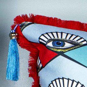 natalja-eljas-rombid-silmad-punased-sinise-mustad-tutikesed