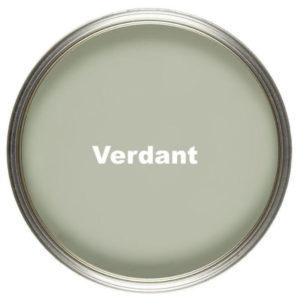 green-wall-verdant-chair-table-vintro-kriidivarv