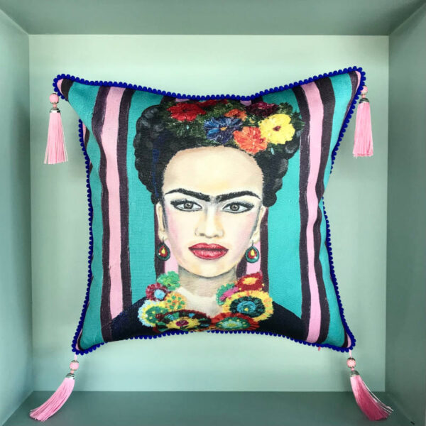 frida-kahlo-cushion
