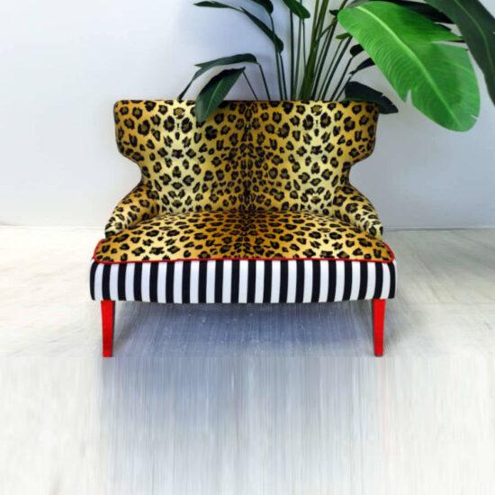 leopard-gold-nails-sofa-palm-color