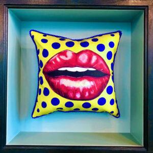 cushion-yellow-kiss