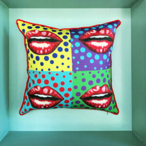 pop-art-lips-cushion